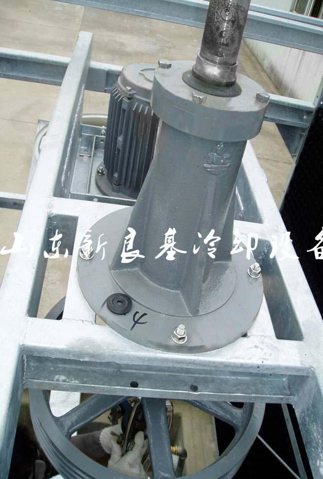 青岛冷却塔减速机维修图片