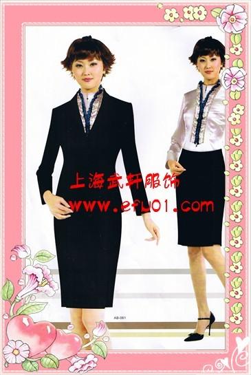 供应新款职业女西装上市欢迎来电订购