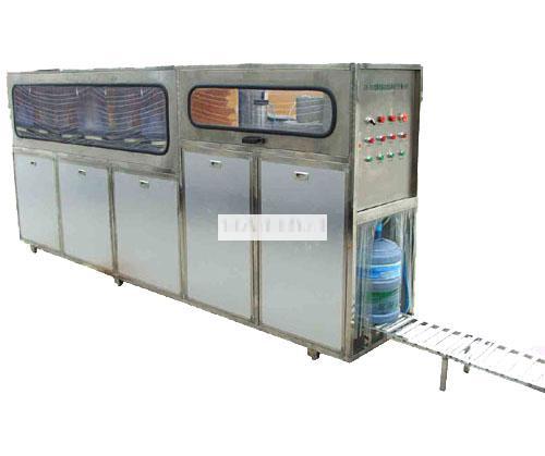 桶装水生产设备图片