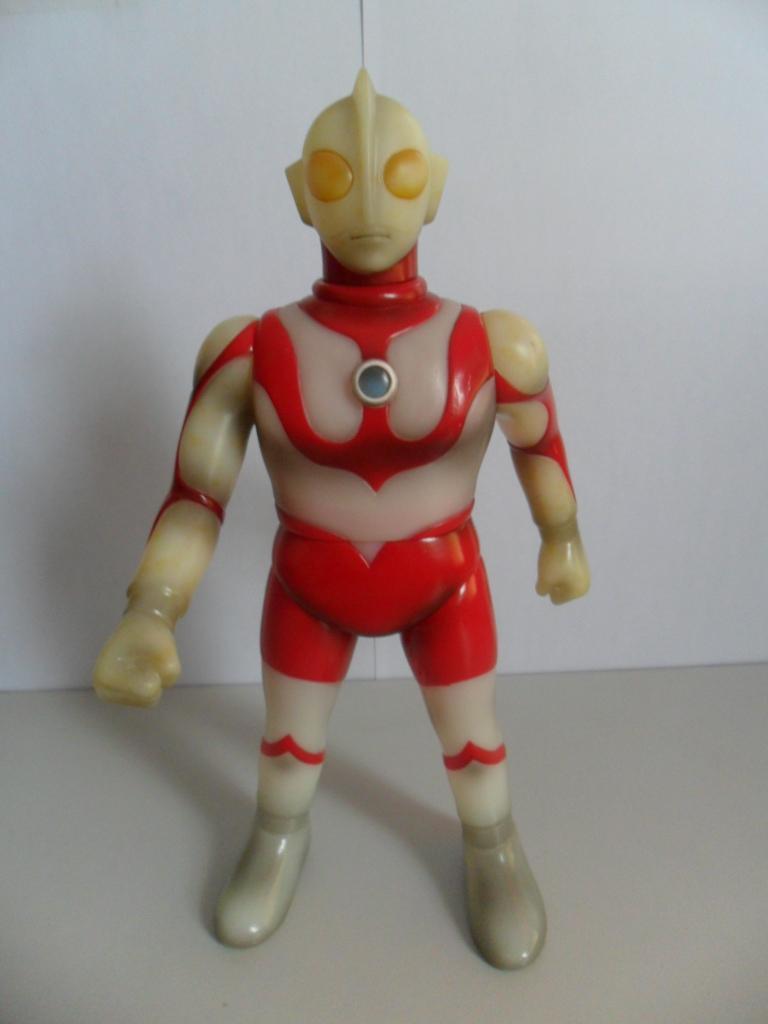 供应奥特曼玩具,小时候经常玩的卡通玩具