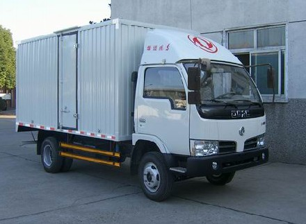 供应价格优惠10的东风小霸王箱式货车图片