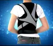 久坐引起的含胸驼背成人使用背背佳图片