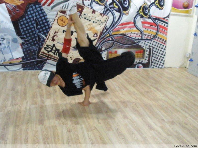 哈尔滨职业街舞培训图片大全_哈尔滨职业街舞培训图片图片