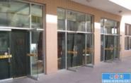 供应北京市换玻璃换卷帘门