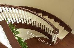 实木楼梯供应商图片