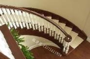 实木楼梯供应图片