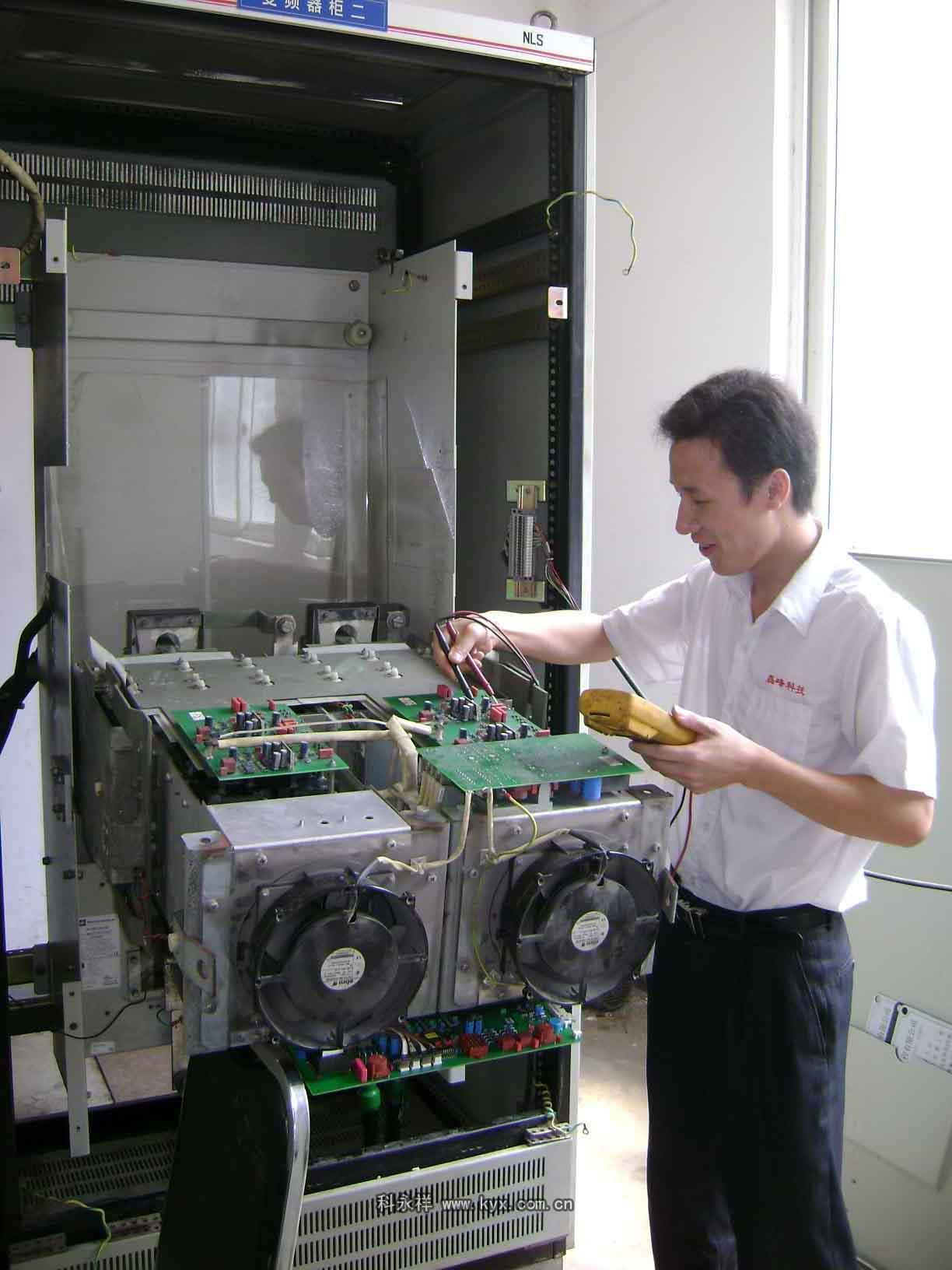 变频器图片 变频器样板图 山东济南专业回收变频器IGBT模...