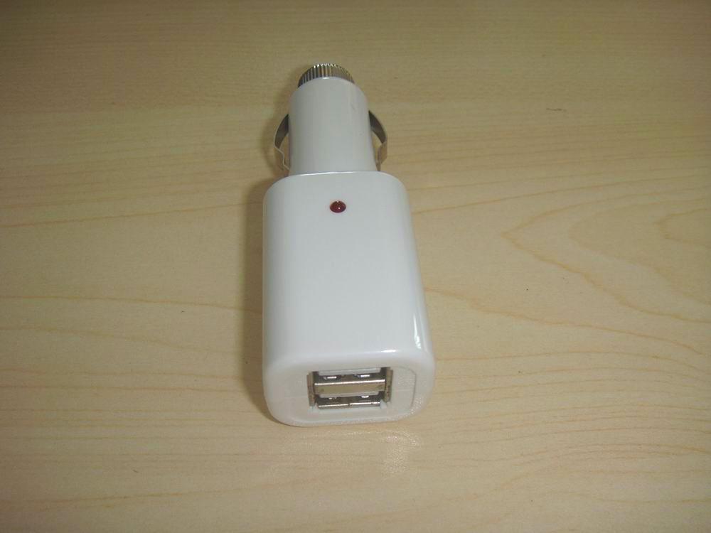 供应USB迷你车载充电器,旅行车充,万能充电器配件生产厂家