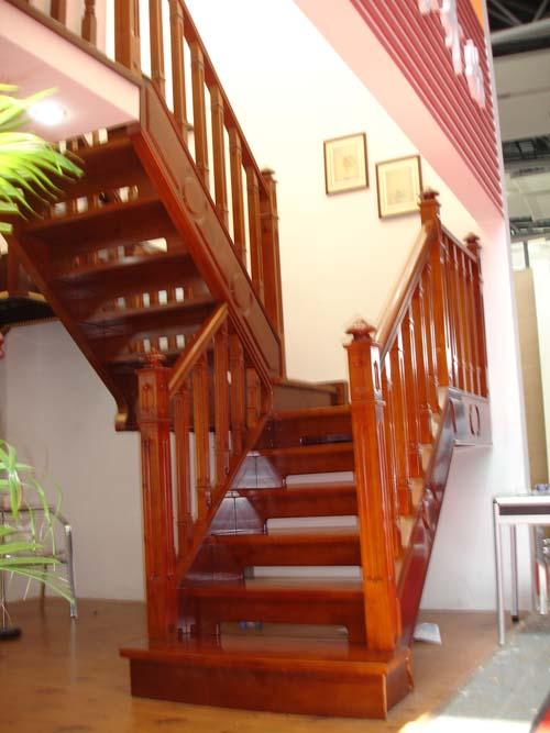 武汉铁艺楼梯实木楼梯图片
