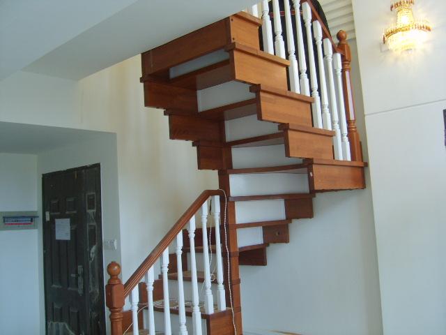 实木楼梯钢木楼梯围栏欧式风格等图片