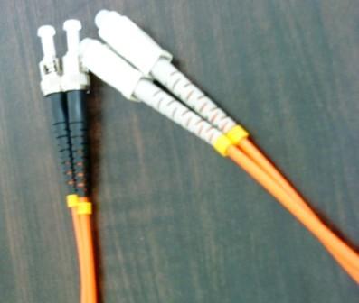供应ST光纤跳线