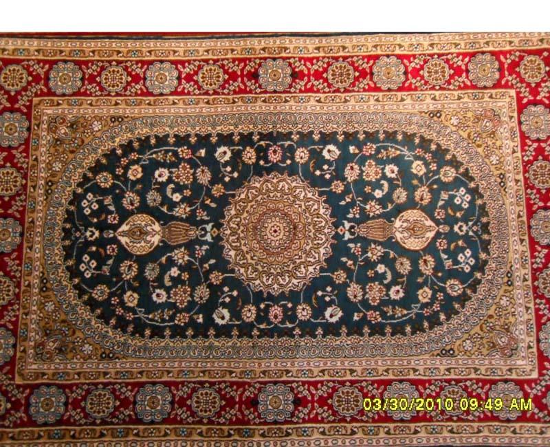 米黄色藤蔓花纹手工编织波斯地毯