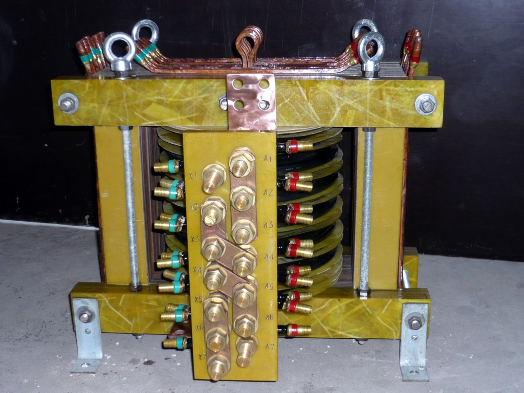 变压器图片  生产厂家:                          本溪泰林高中频
