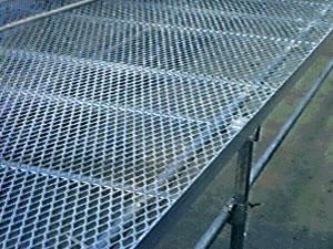 供应钢板床架网