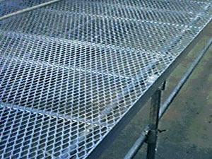 供应钢板床架网批发