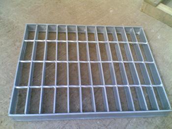 供应钢格栅板镀锌钢格板平台板
