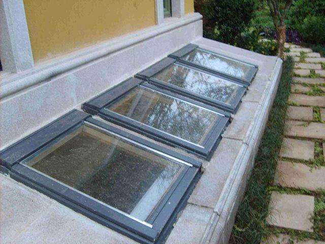 地下室窗井设计图
