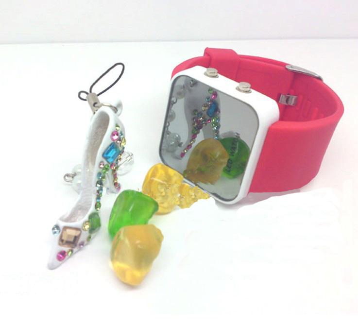 厂家直销硅胶镜子手表,LED电子手表批发