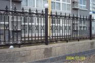 供应北京市专业安装卷帘门玻璃门铁艺大