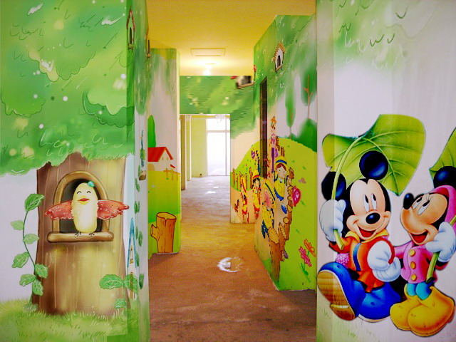 供应深圳手绘喷绘幼儿园壁画墙