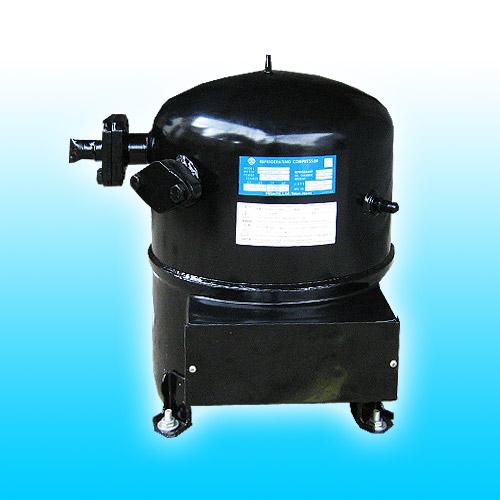 供应原装日立空调压缩机水冷机组鱼池机批发