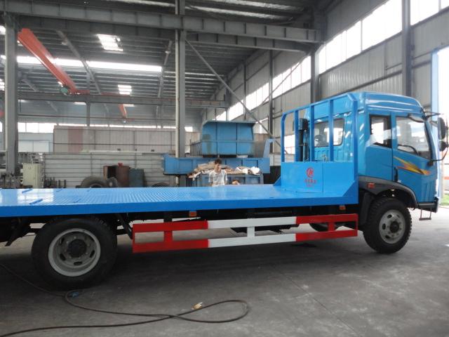 供应低平板运输车挖掘机运输车批发