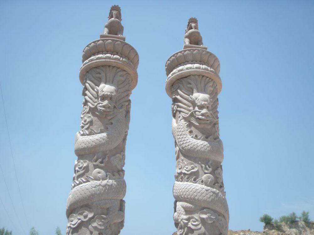 供应盘龙柱雕刻