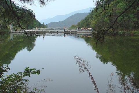 """到达""""中国武汉木兰生态旅游区""""西北部最靓丽的风景线———木兰清凉寨"""