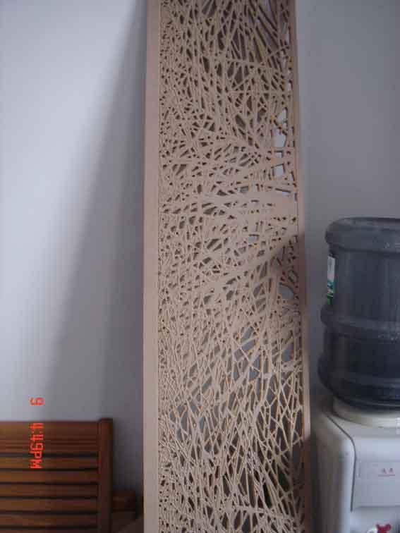 从事屏风,隔断,仿古窗花,中欧式花格,酒店装饰雕花的加工生产以及