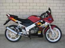 本田CBR150R