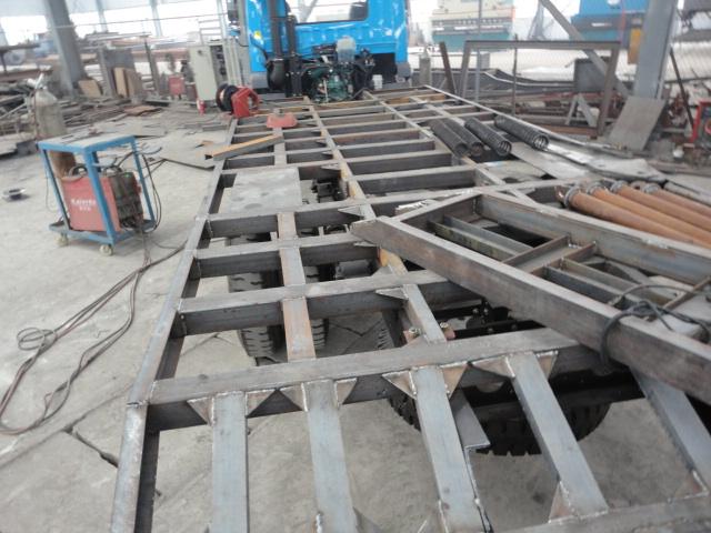 供应挖机平板车小挖机拖车厂家