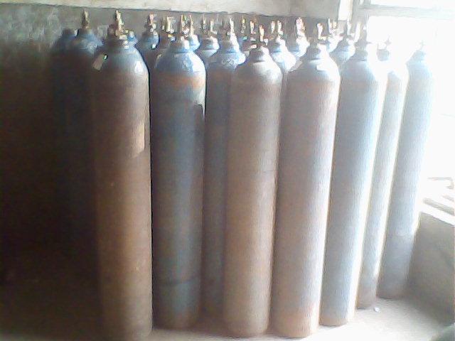 供应氧气瓶20