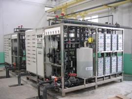 供应蒸馏水机,实验室蒸馏水机,小型蒸馏水机,多效蒸馏水机图片