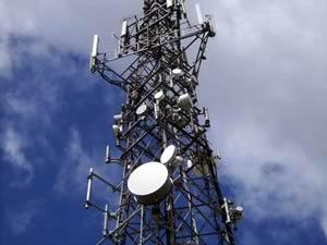 供应铁塔厂 专业通讯塔、避雷塔、监控塔、装饰塔、生产、安装图片